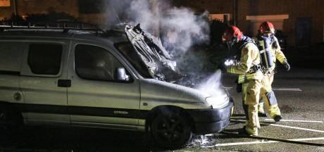 Bestelbusje in brand in Helmond