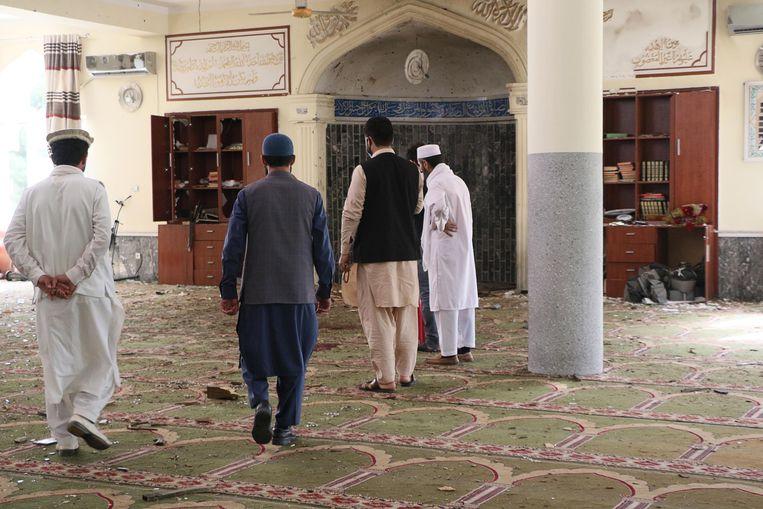 Bij de bomaanslag in de Sher Shah Suri Moskee in Kabul vielen zeker vier doden.  Beeld AFP