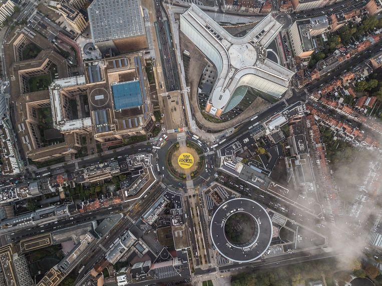 Een actie van Greenpeace in oktober. Het Schumanplein krijgt binnenkort een volledig nieuwe aanblik.