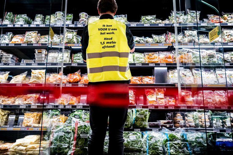 Kipfilets vliegen de supermarkt uit zodra er reclame voor wordt gemaakt, zegt Willy Baltussen. Beeld ANP