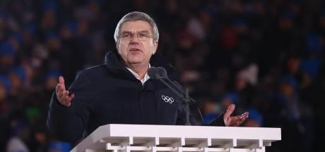 IOC-voorzitter Bach onderscheiden met de 'Blauwe Draak'