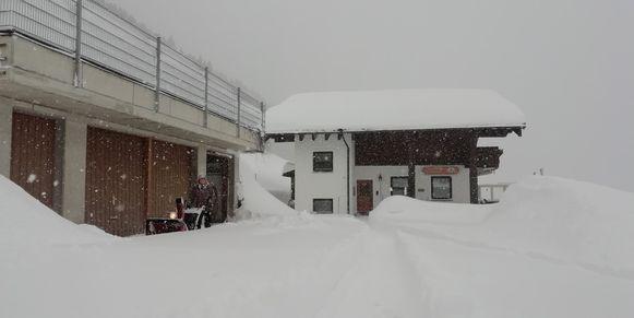 In Baad-Kleinwalsertal ligt alles intussen al onder een laag van wel twee meter sneeuw.