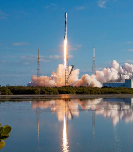 Heb je het ook gezien? Het 'Ufo-treintje' van Elon Musk vloog over Zeeland