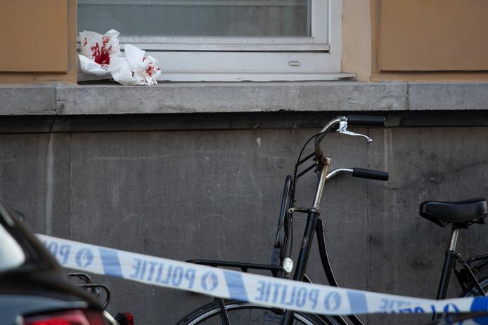 Volgens de eerste berichten verloor het slachtoffer veel bloed.