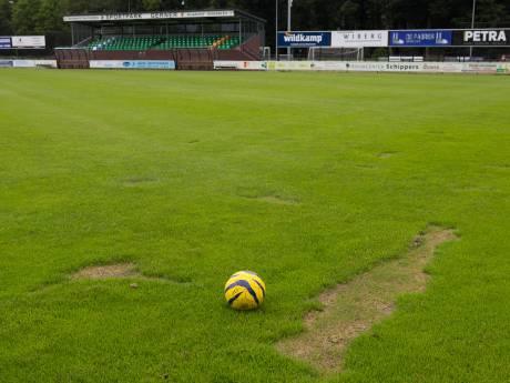 Blunder bij onderhoud hoofdveld Dalfsen nekt thuisduel met PEC Zwolle