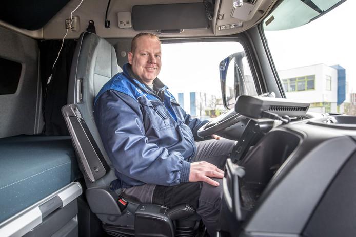 Danny Huisman, chauffeur bij Dasko, maakte een carrière-switch van autopoetser naar vrachtwagenchauffeur.