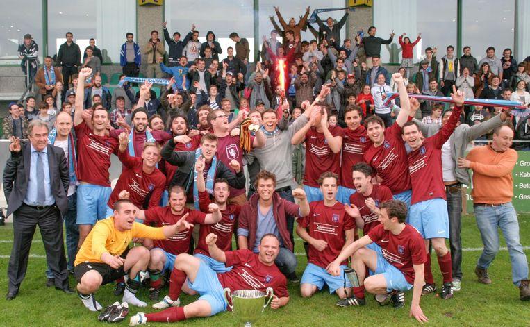 Eén van de hoogtepunten van FC Katasvilla, met de bekerwinst op het veld van SK Sint-Niklaas.