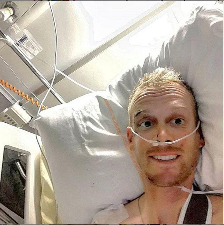 Alessandro De Marchi in het ziekenhuis na zijn valpartij in de voorbije Tour.