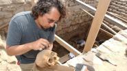 Brusselse archeologen graven duizend jaar oude mummie op in Peru