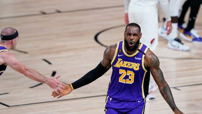 IJzersterke LeBron James zet Lakers op voorsprong tegen Portland en is op recordjacht
