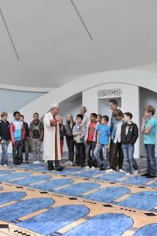Waarom wel met klas naar moskee en niet naar kerk?