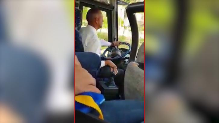 400.000 mensen bekeken hoe deze buschauffeur schakelt