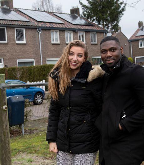 Op oudjaarsdag bruist het altijd in deze Apeldoornse volkswijk, nu niet. 'Stiekem hoop ik op wat siervuurwerk'