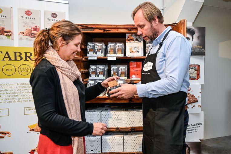 """""""Ik wil in de winkel klaar staan om bezoekers uitleg te geven. Ik wil mensen meekrijgen in een visie en verhaal, in liefde voor het ambachtelijke en natuurlijke ingrediënten van lokale producenten"""", zegt Borms."""