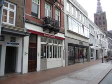 Inboedel van failliet Eeterij 'T Verschil in de Kerkstraat geveild