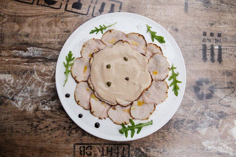 Bij Libero is de vitello tonnato krek zoals het hoort: succulent en subliem delicaat Beeld Carly Wollaert
