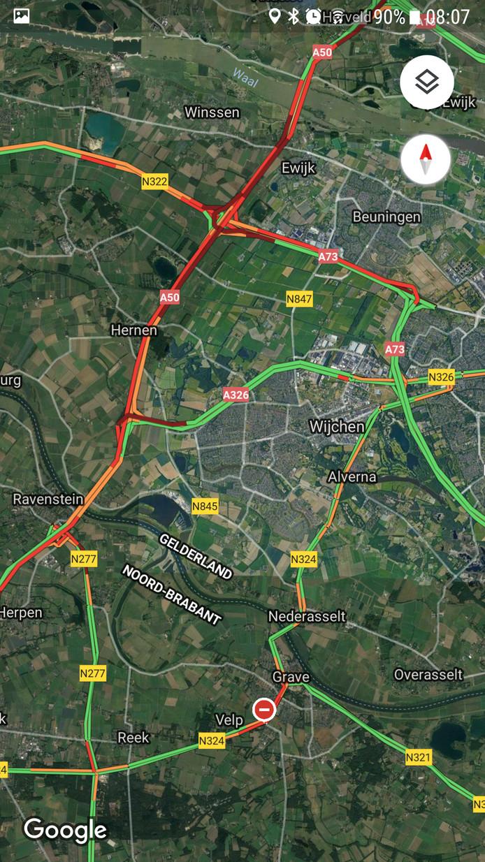 Filerijke donderdagochtend in Maas en Waal