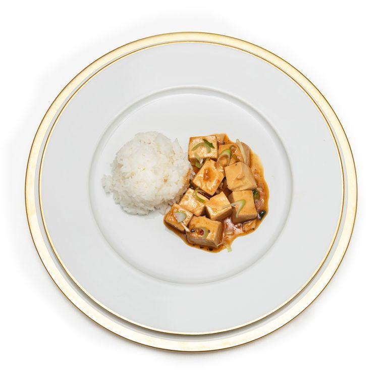 Ma po tofu: zachte tofu in vleessaus. Beeld Els Zweerink