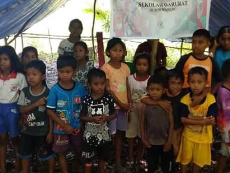 Actie voor slachtoffers aardbeving begint: Molukse jongeren langs de deuren voor collecte in Elst