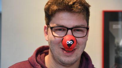 """Jorrit (24) wil met zijn Rode Neuzen Actie bewustmaking creëren rond dwangstoornissen: """"Veel mensen in onze omgeving lijden eronder zonder dat je het doorhebt"""""""