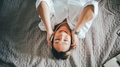 Muziek om bij in slaap te vallen: naar wat luister je?