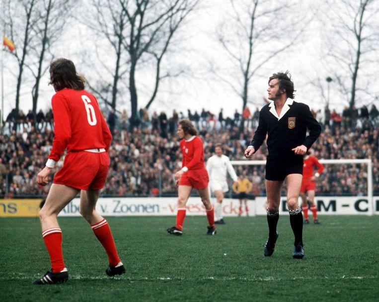 Voetbalscheidsrechter Frans Derks in 1981. Beeld Hollandse Hoogte /  ANP