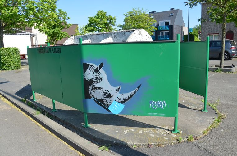Alsmaar meer graffiti-figuren duiken op in het Ninoofse straatbeeld, zoals deze neushoorn op het Paul De Montplein.