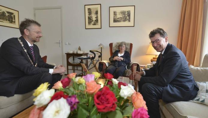 Clemens Cornielje was donderdag in Buren op bezoek bij zorgcentrum Oranjehof voor hij met de gemeenteraad sprak. William Hoogteyling
