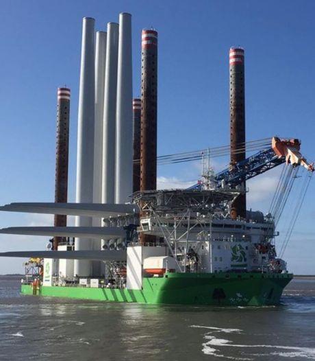 Eerste turbines onderweg naar windpark Borssele