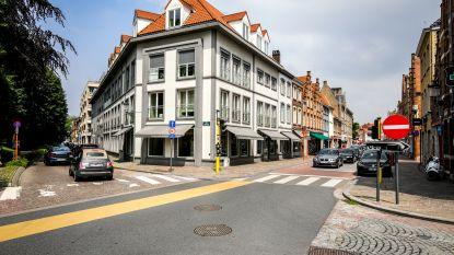 """Nieuwe regeling voor verkeerslichten aan Smedenpoort: """"Op vraag van handelaars"""""""
