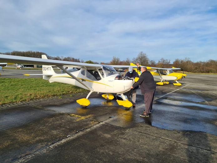 Alle vliegtuigen werden vrijdagmiddag uit Ursel weggehaald.