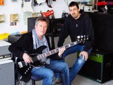Waarom Henny Vrienten voor de handgemaakte basgitaren van Sander de Gier naar Schiedam komt