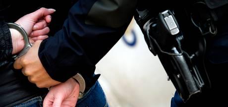 Twee mannen aangehouden voor diefstal damestas in Middelburg