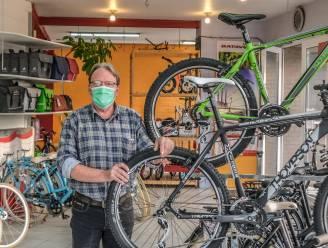 """Fietsenhandel Spitter na 80 jaar te koop: """"Elke dag werk, er wordt meer dan ooit gefietst in Kortrijk"""""""