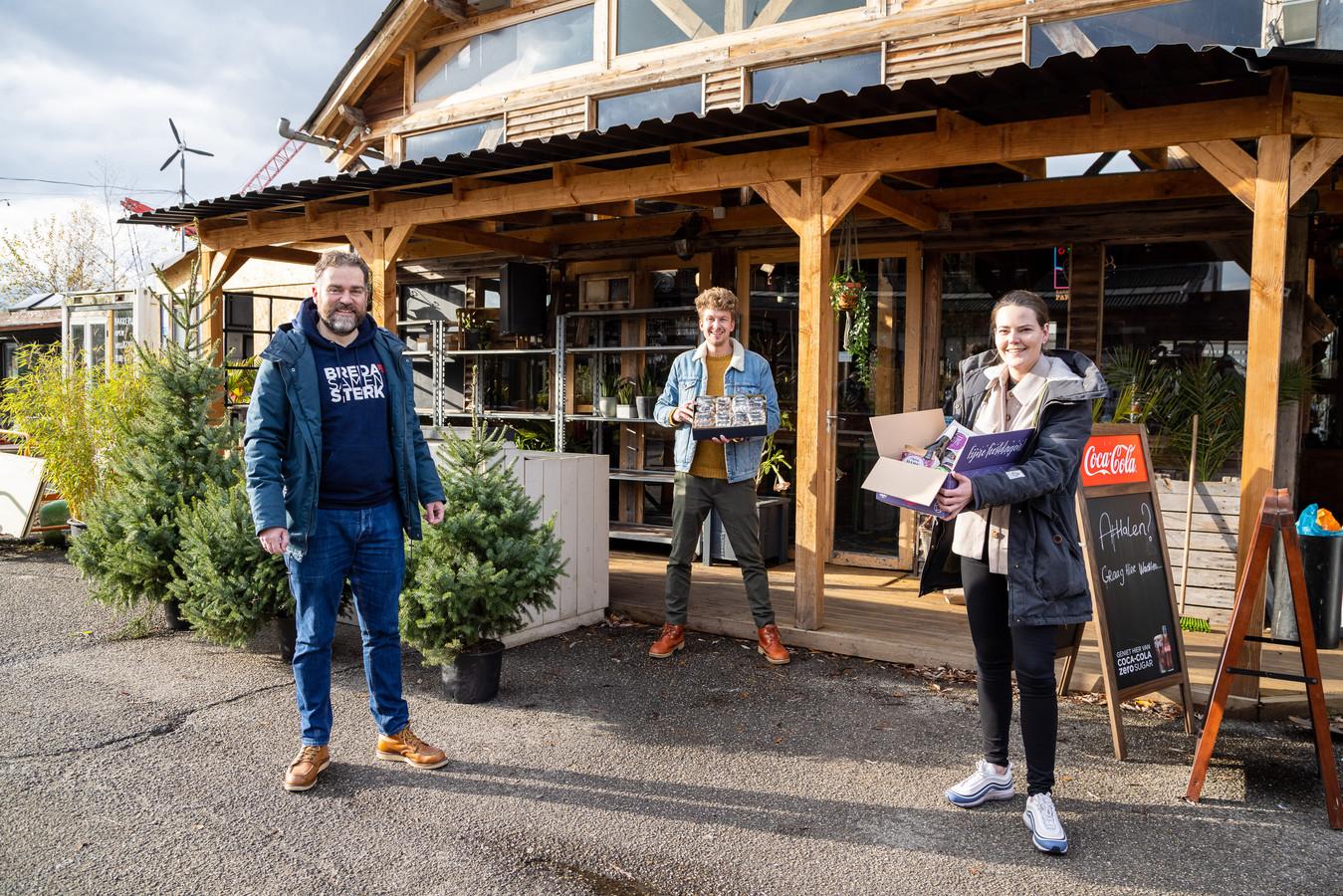Klaas Dijkhoff (links) zet Bredase ondernemers in het zonnetje. In het midden Thibaud van der Steen van Breda maakt mij blij. Rechts Marleen Pulles van Pull Productions.