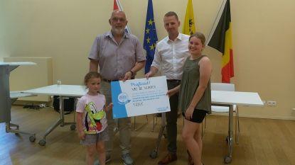 Leerlingen De Vlinderen krijgen cheque van 1.031 euro voor strijd tegen zwerfvuil en sluikstorten