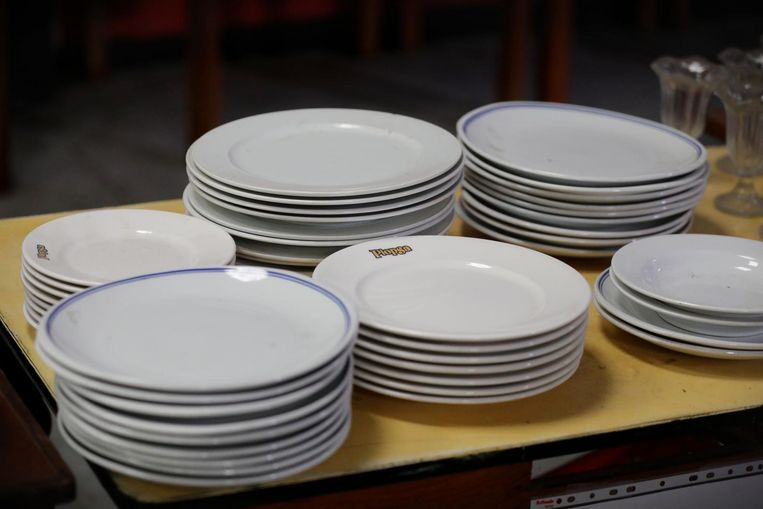 Een collectie Plopsa-borden.