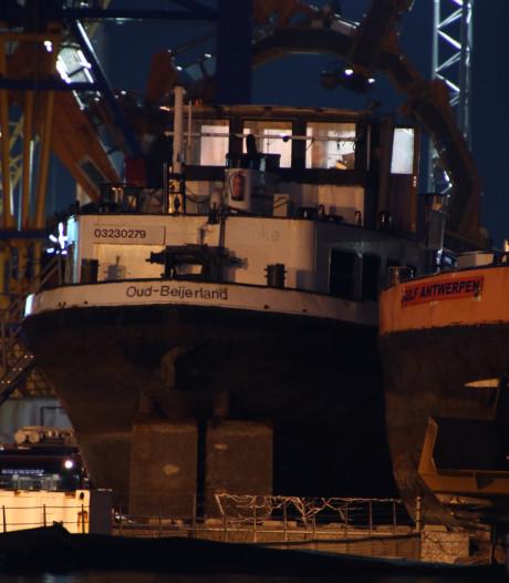 Brandweer rukt uit voor brand op schip in Vlissingen- Oost
