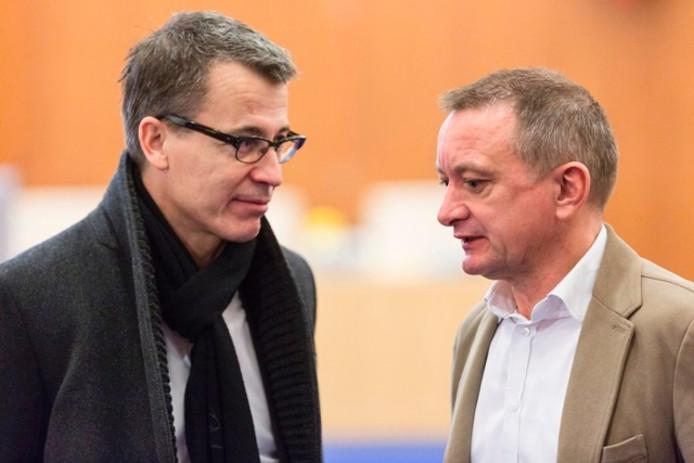 Jan Smit van D66 (rechts) in gesprek met directeur Harry Vermeulen van het Theater aan de Parade.