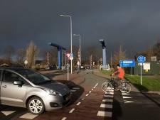 Zorgen om fietsveiligheid Blauwe brug in Harmelen door aanleg van snelfietsroute
