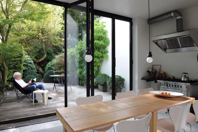 Rik & Chantal Medaer hebben hun 100 jaar oude burgerhuis in de stad omgebouwd tot een oase van rust.