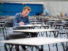 Schrijver Ralf Mohren doet 'herexamen': 'Vroeger keken scholieren minder op tegen lange teksten'
