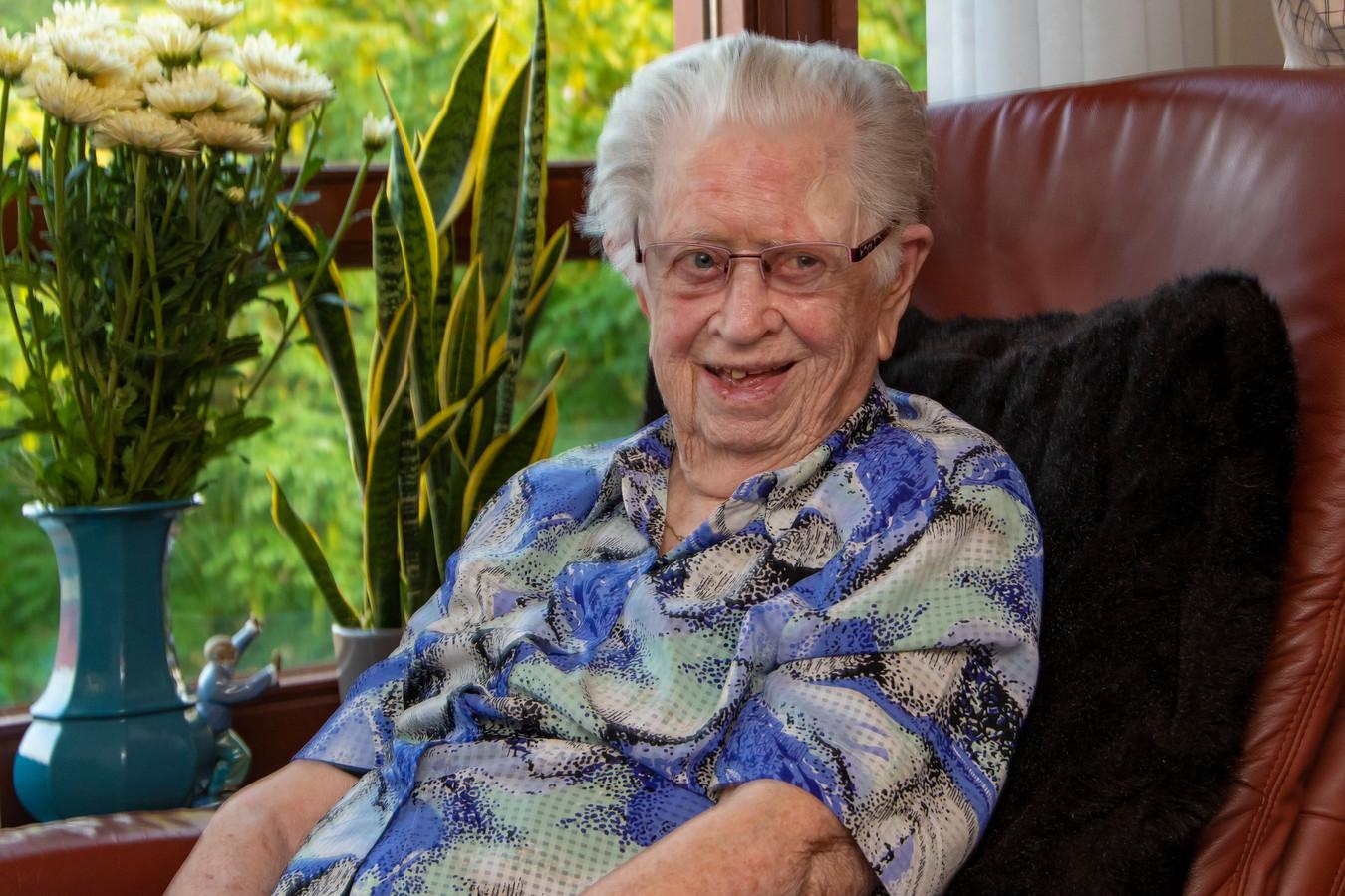104 jarige Miet van Doormaal.
