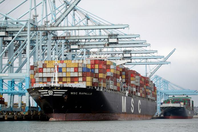 Vanwege oplopende handelsspanningen heeft het IMF zijn groeivoorspellingen naar beneden bijgesteld.