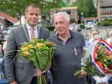 Lintje voor trouwe vrijwilliger Gerrit de Bruijn in Glanerbrug