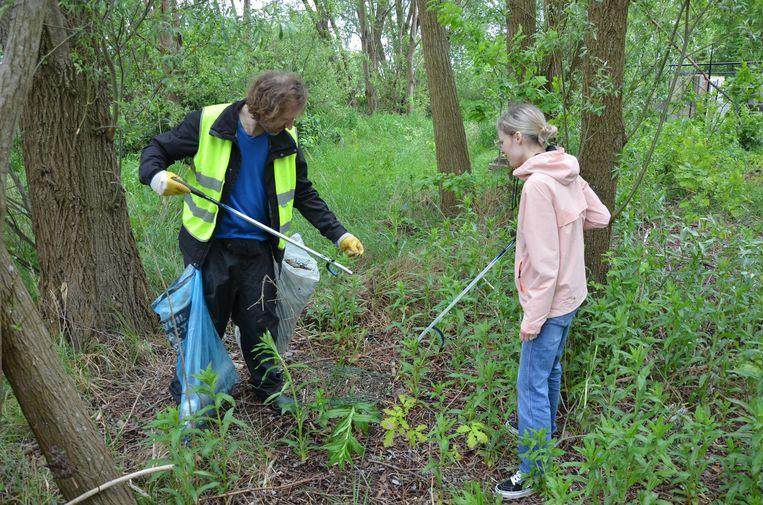 Vzw Ekobie organiseert wekelijks opruim- en bewustmakingsacties rond duurzaamheid.