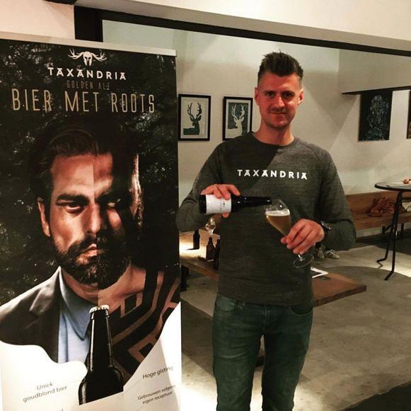 Michaël Cordie met een van de andere bieren.