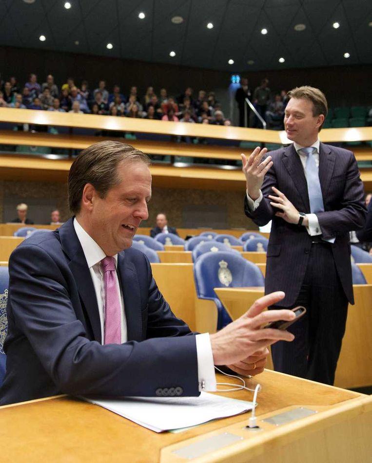 Pechtold (D66) met Zijlstra (VVD) in de Tweede Kamer. Beeld anp