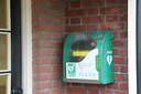 Het aantal AED's bij woningen aan de muur is de laatste jaren fors gestegen.