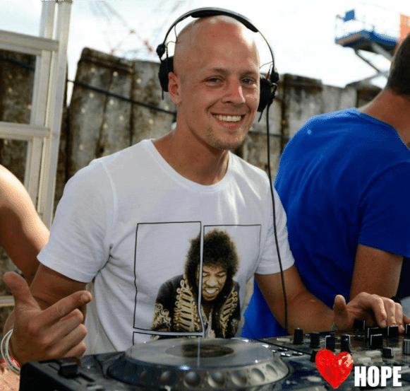 Rupert Suply was een getalenteerd voetballer en deejay voor hij de strijd tegen kanker verloor.